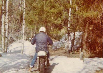 1976c_SnowRiding